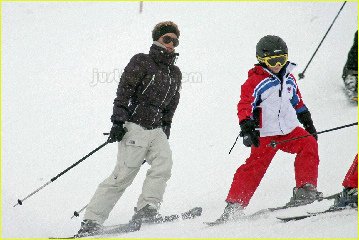 posh spice skiing 03