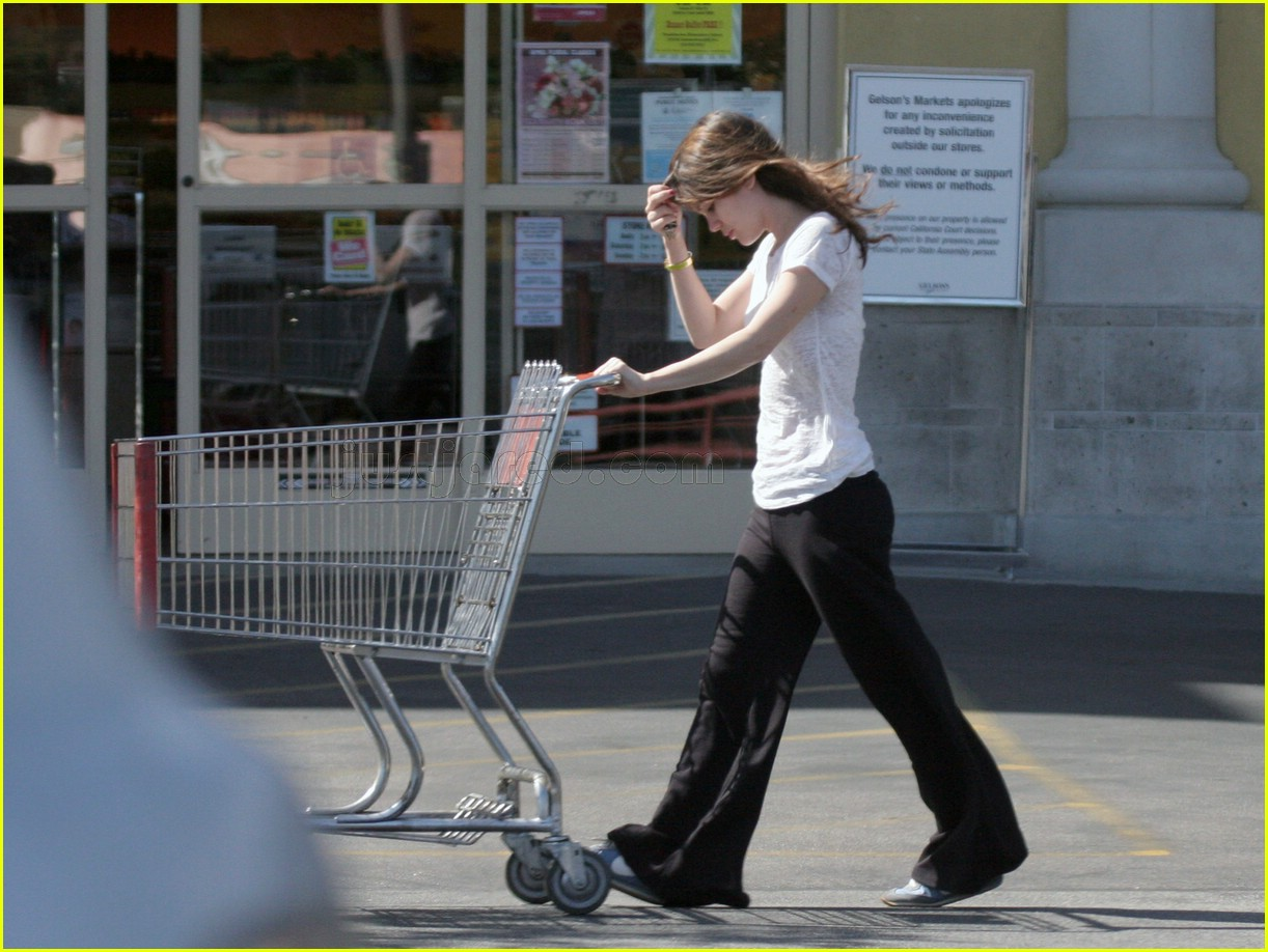 rachel bilson grocery shopping 12