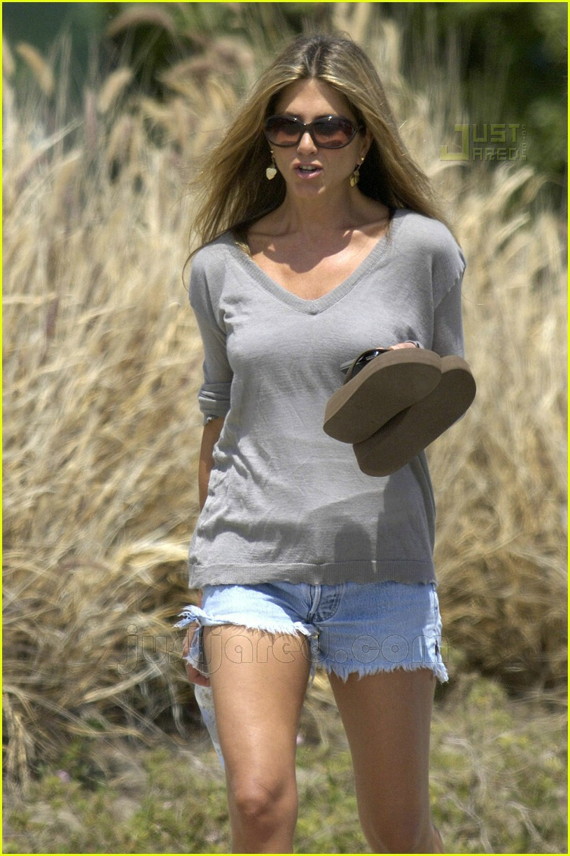 jennifer aniston memorial day 2007 11