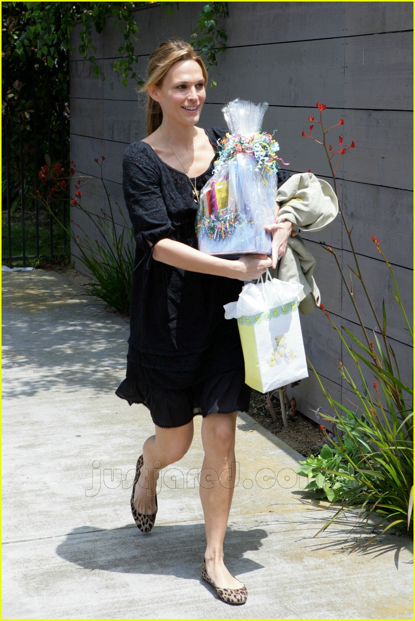 molly sims bridget moynahan baby shower 02