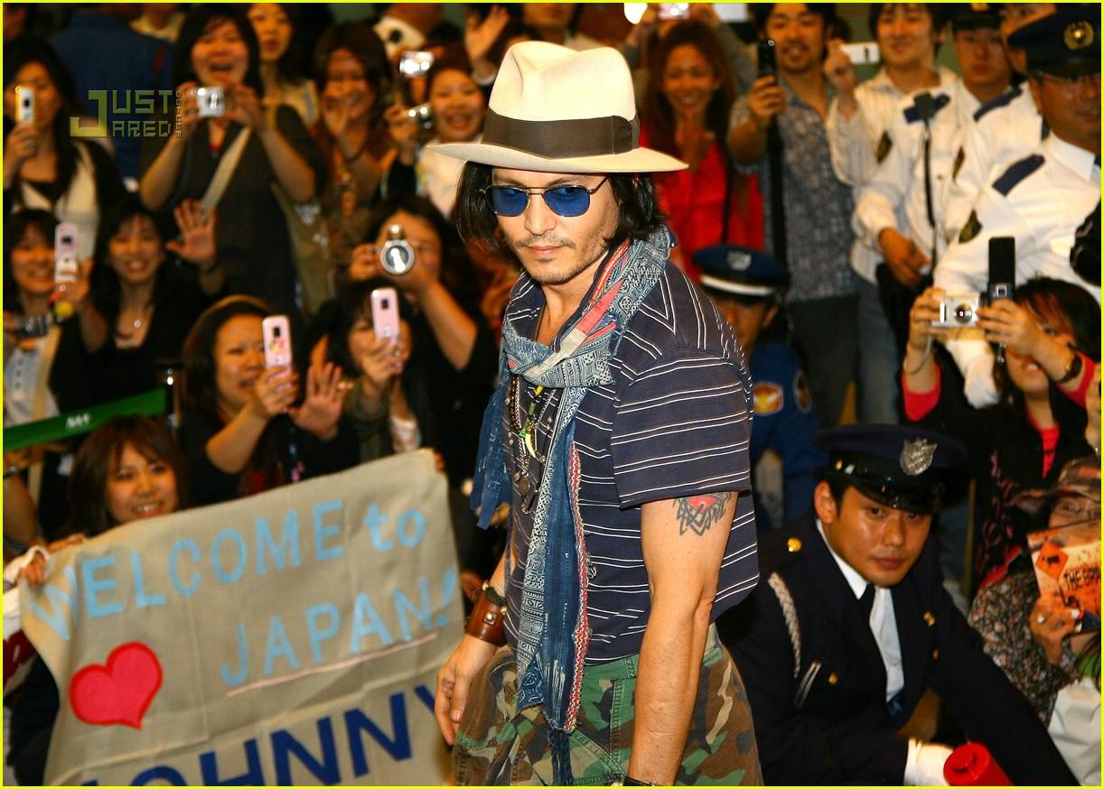 Full Sized Photo of johnny depp japan airport 06 | Photo ... Orlando Bloom