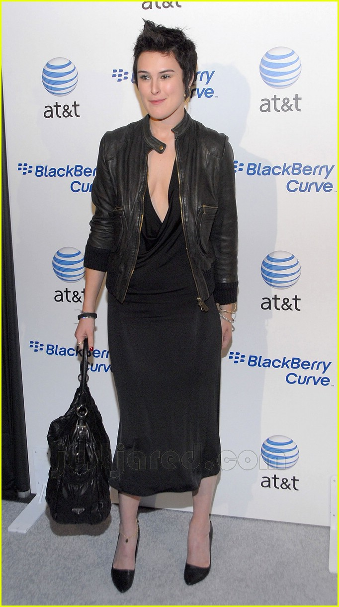 02 rumer willis blackberry curve
