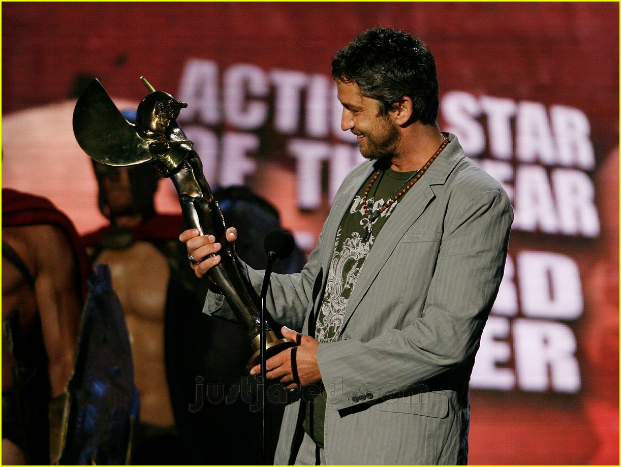 gerard butler world stunt awards 11