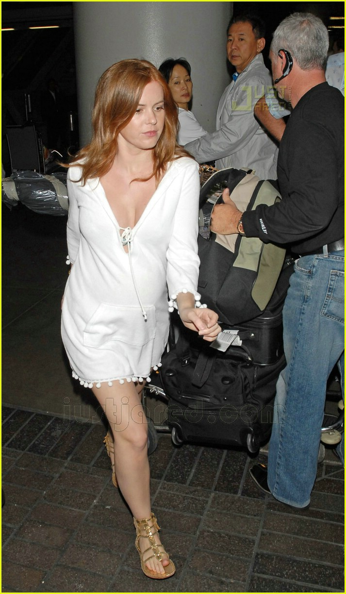 isla fisher pregnant 01