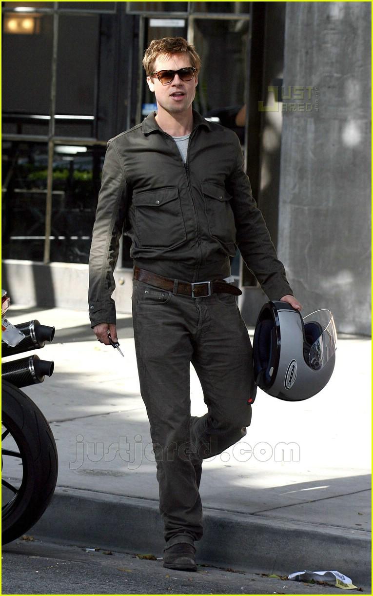 Pics photos brad pitt on motorcycle - Brad Pitt S Motorcycle Madness Photo 426671 Brad Pitt Pictures Just Jared