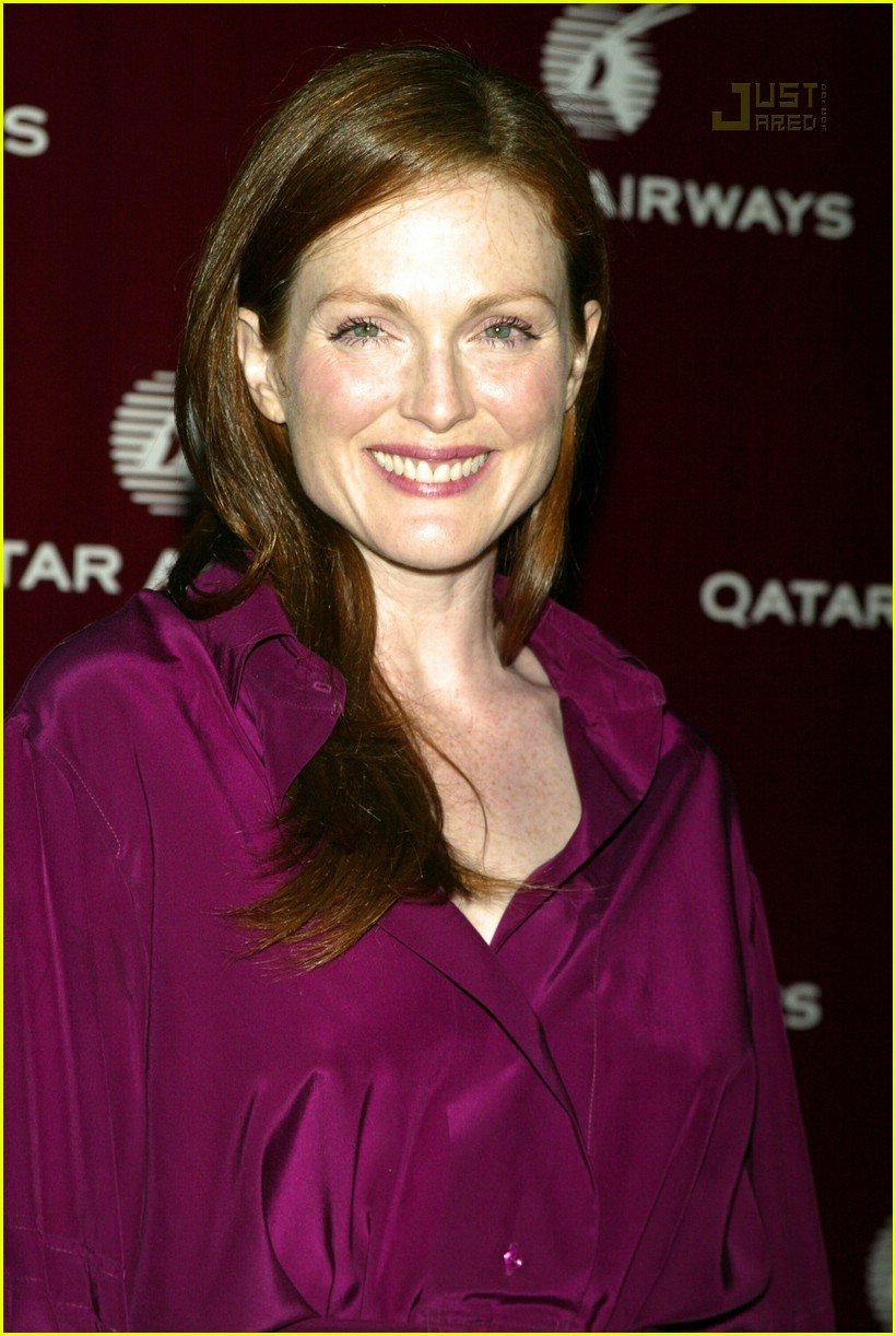 julianne moore qatar airways gala 05