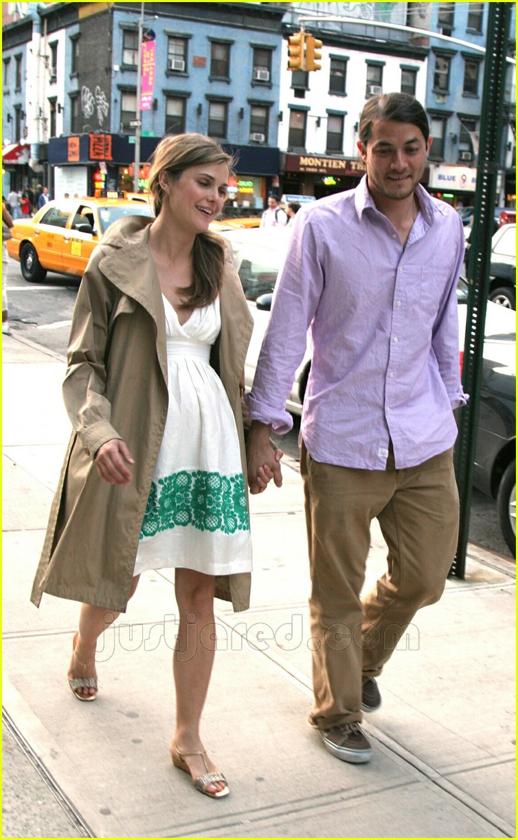 Who is matthew rhys dating now 3