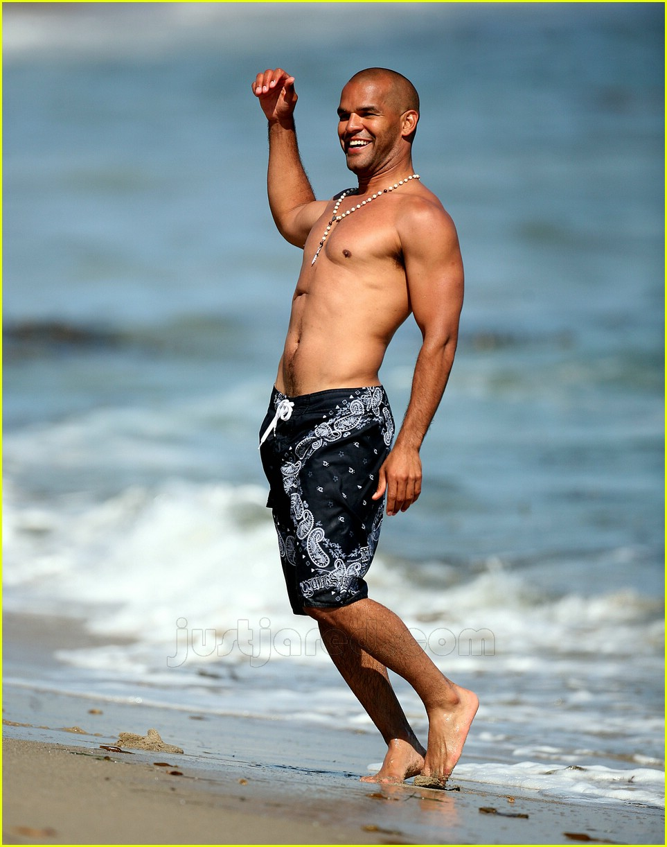 amaury nolasco shirtless 03