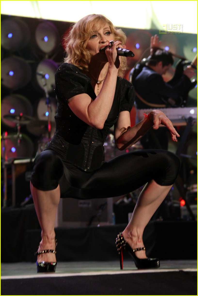Full Sized Photo of madonna live earth 04 | Photo 478621 | Just Jared Scarlett Johansson