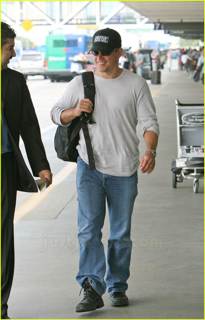 Full Sized Photo of matt damon lax airport 02 | Photo ... Matt Damon