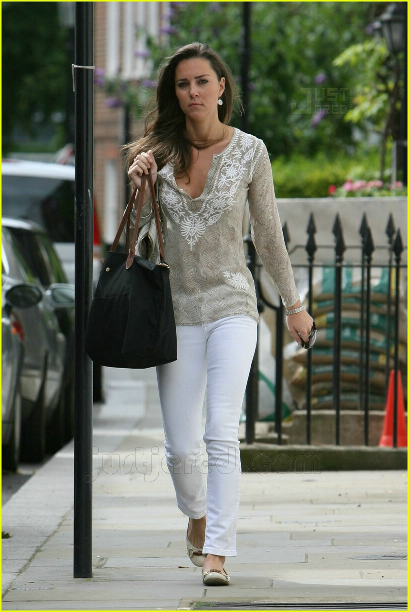 kate middleton white jeans 08