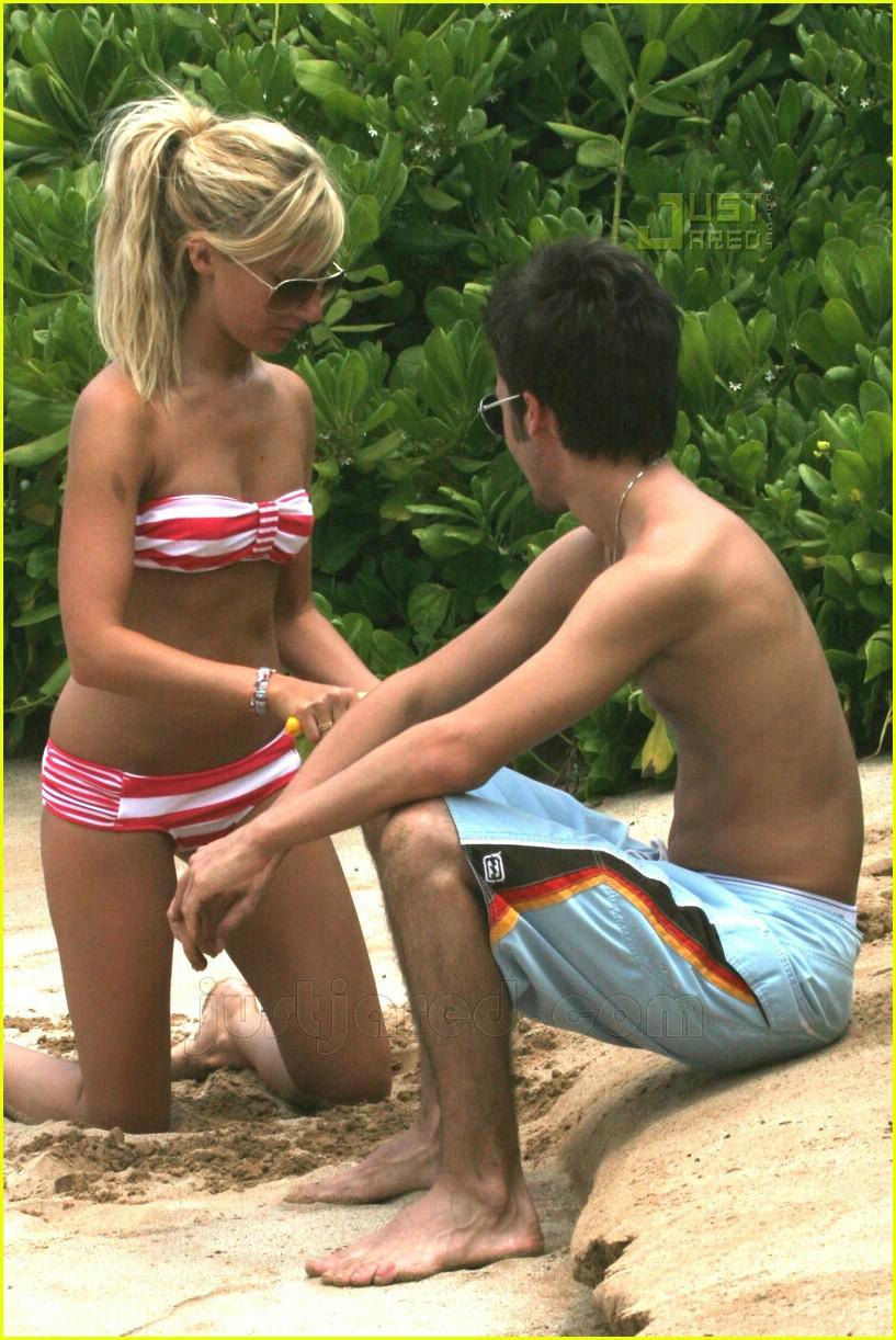ashley tisdale hawaii 03
