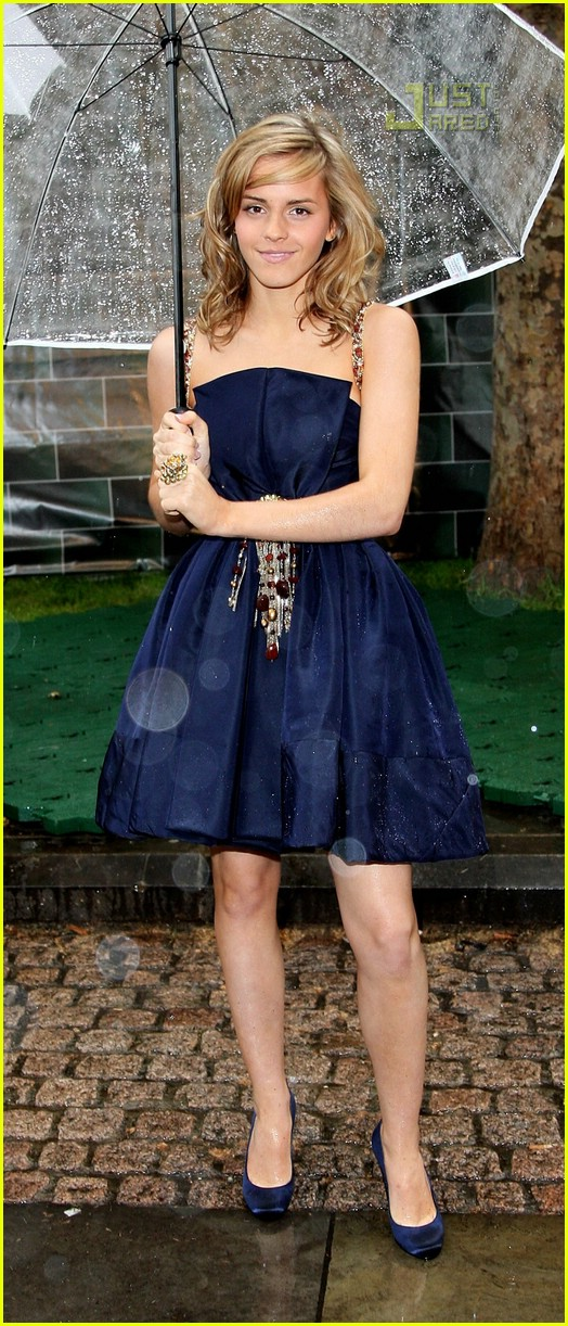 emma watson chanel dress 08