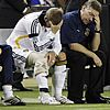 david beckham injured knee 04
