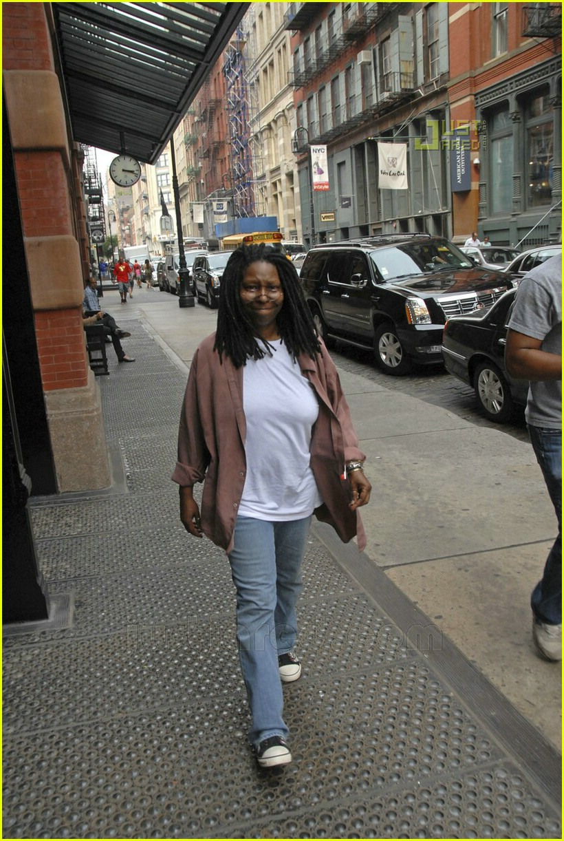 Whoopi s quot view quot from soho photo 524701 whoopi goldberg pictures