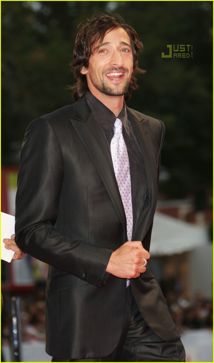 Full Sized Photo of el... Adrien Brody