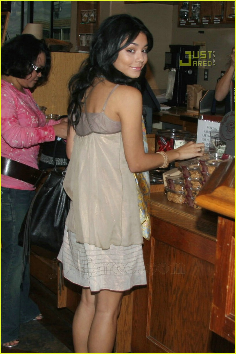 Paparazzi Vanessa Morgan nude (79 foto and video), Sexy, Leaked, Feet, cleavage 2006