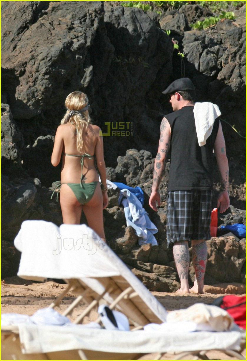 nicole richie pregnant bikini body 02