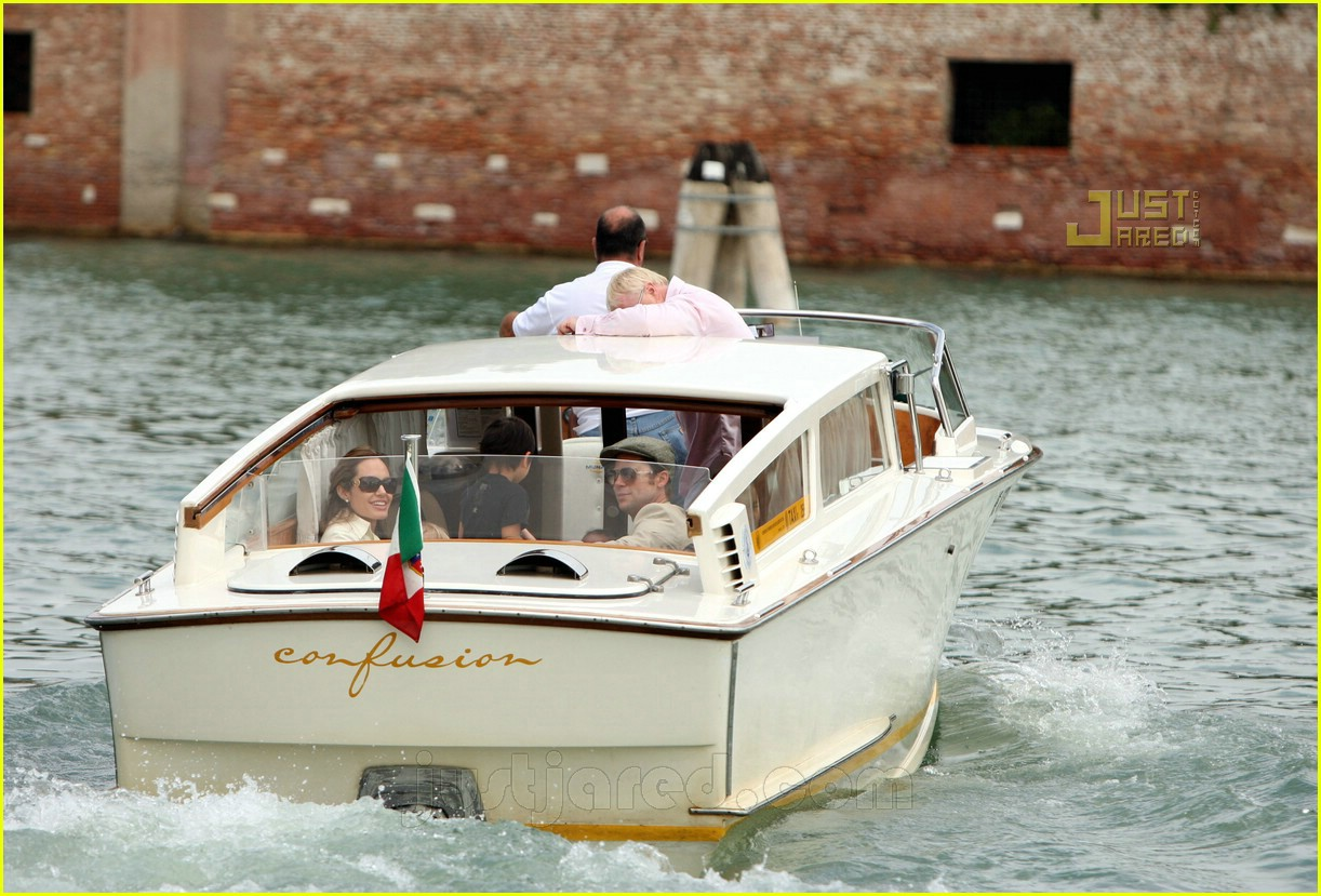 brad angelina water taxi ride 12562041