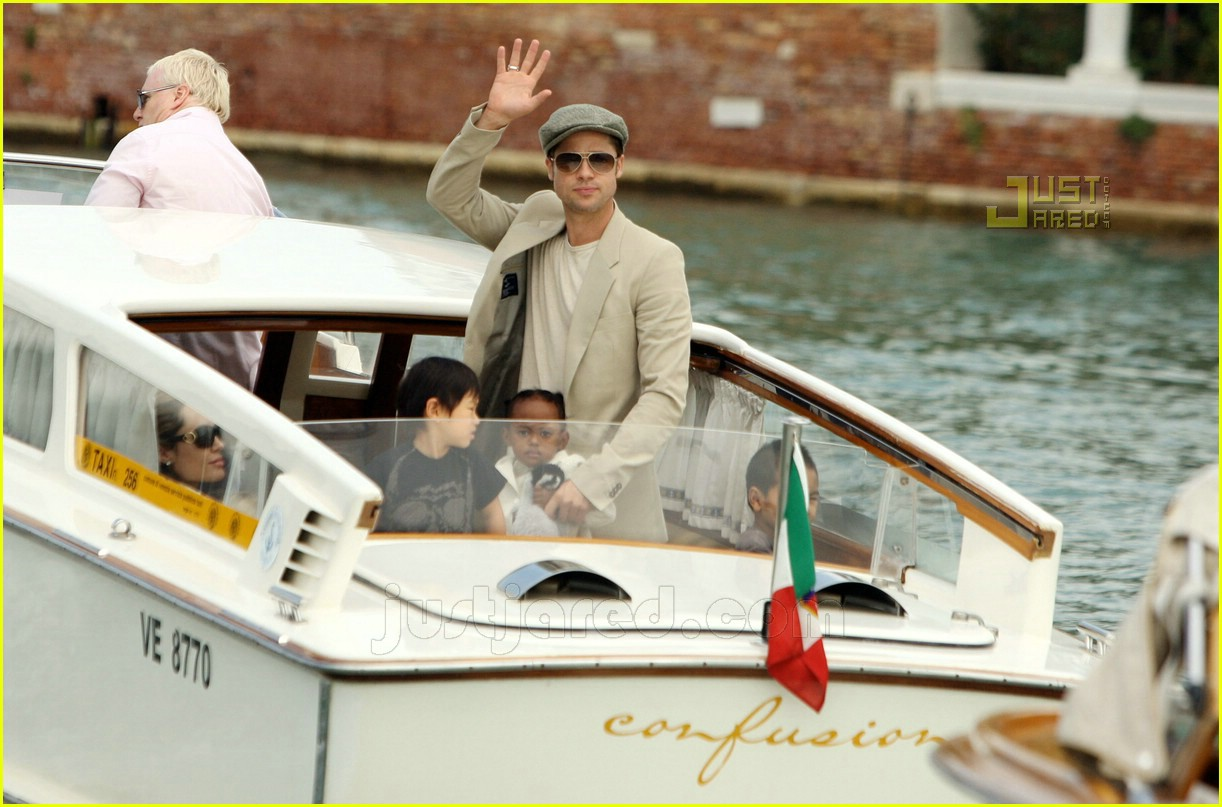 brad angelina water taxi ride 16
