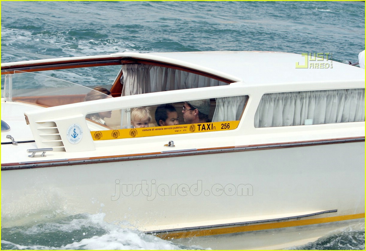brad angelina water taxi ride 17