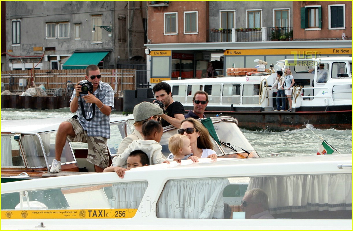 brad angelina water taxi ride 25