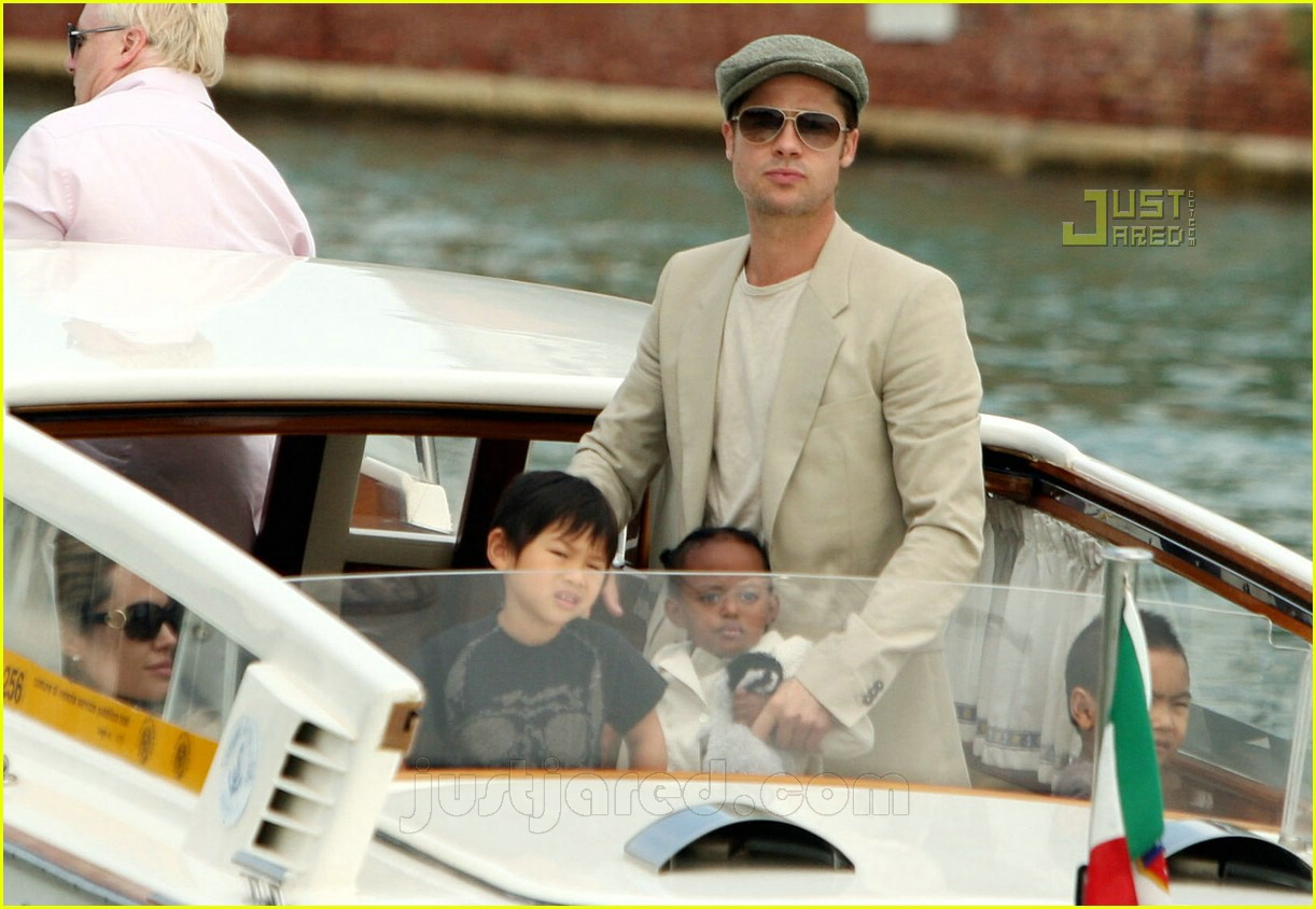 brad angelina water taxi ride 38