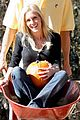 heidi spencer pumpkin picking 13
