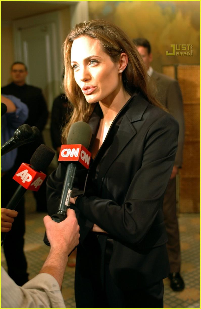 angelina jolie journalism awards 2007 10