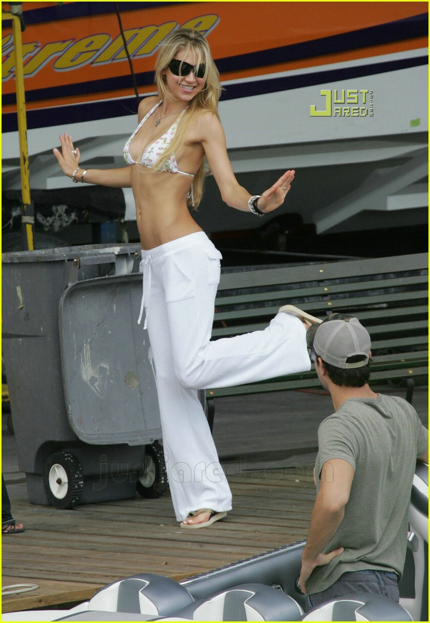 anna kourkikova bikini pictures 02 Alyson Michalka fakes including topless and nude photos, naked pussy pics ...