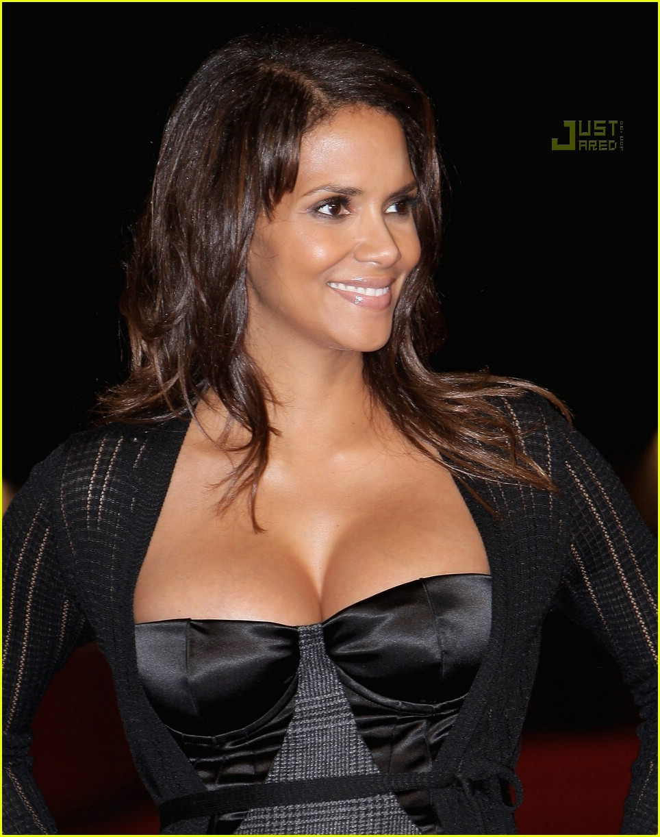 halle berry pregnant pictures 00 Halle Berry