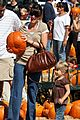 mark wahlberg pumpkin picking 05