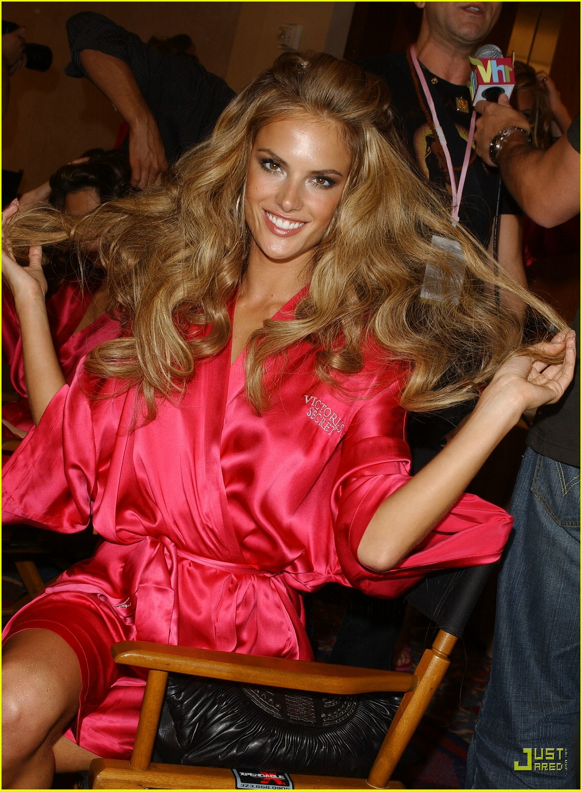alessandra ambrosio victorias secret fashion show 2007 07734921
