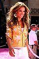 alessandra ambrosio victorias secret fashion show 2007 04