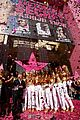 alessandra ambrosio victorias secret fashion show 2007 16
