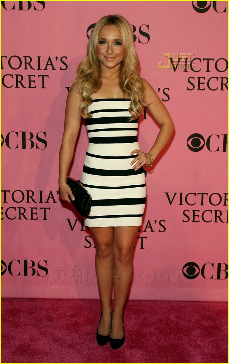 hayden panettiere vs fashion show 01