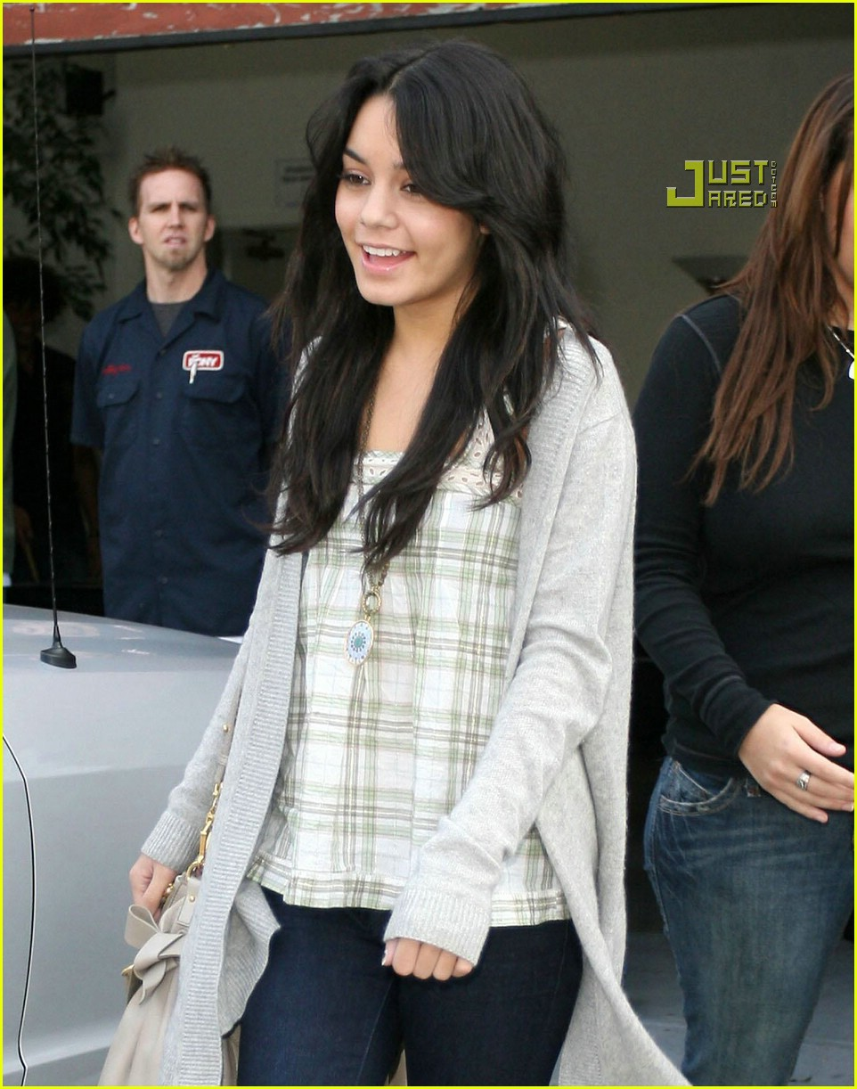 vanessa hudgens teddy bear 21721551