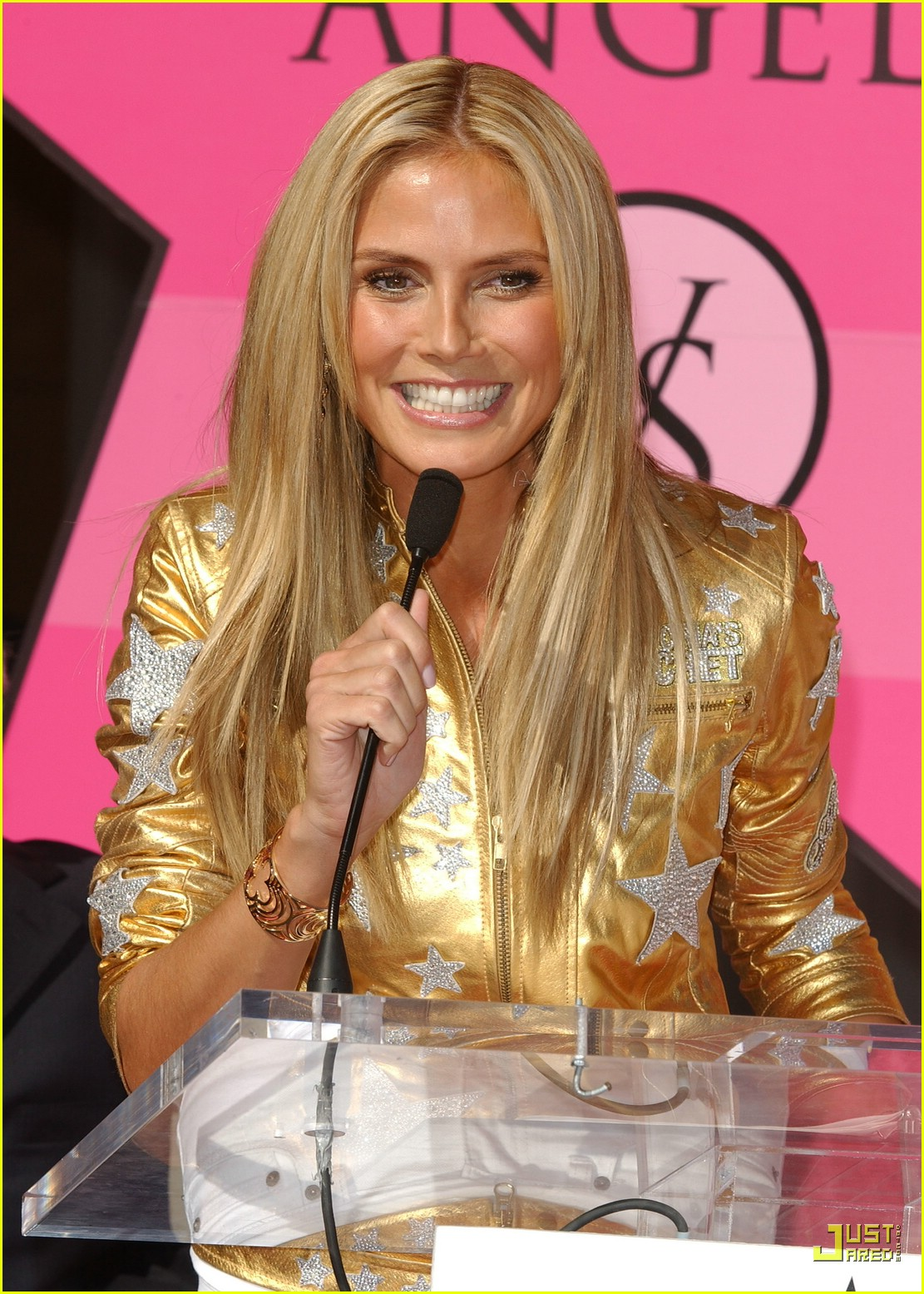heidi klum victorias secret fashion show 2007 28735681