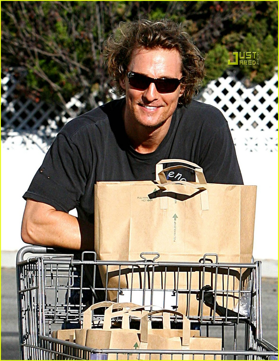 matthew mcconaughey grocery shopping 04