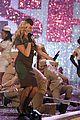 spice girls victorias secret fashion show performance 41