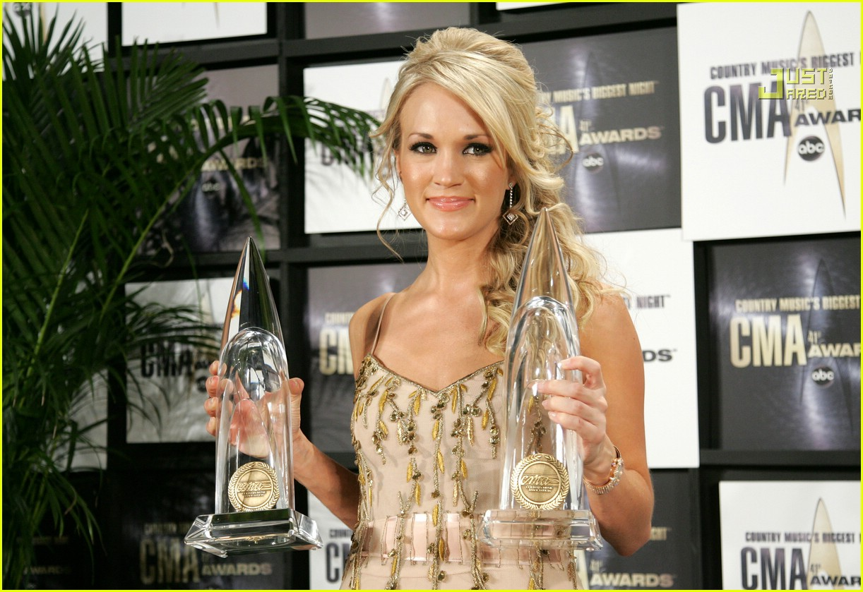 carrie underwood cmas performance 2007 04