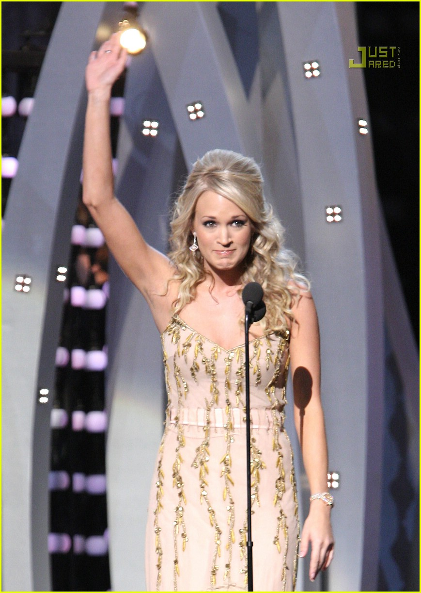 carrie underwood cmas performance 2007 08