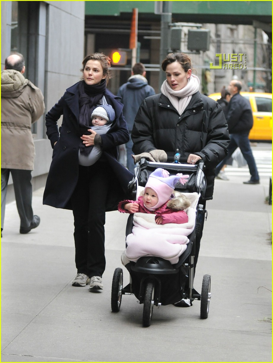 jennifer garner keri russell playdate 05