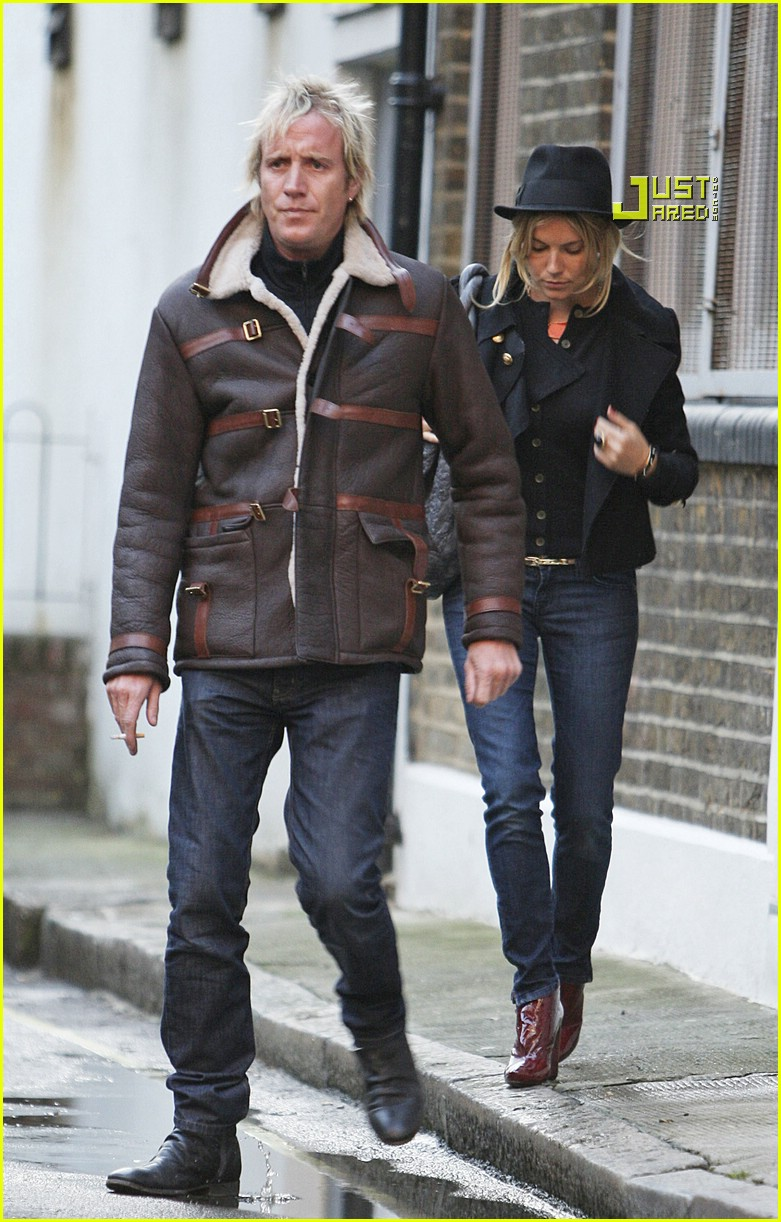 rhys ifans sienna miller tesco 02