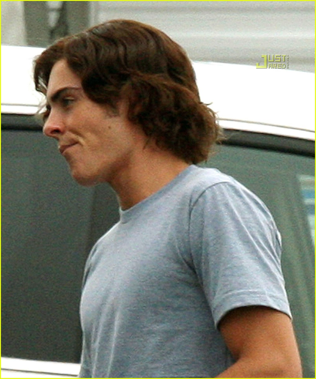 Zac Efron And Wigs 17
