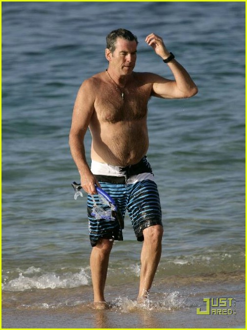 pierce brosnan shirtless 02