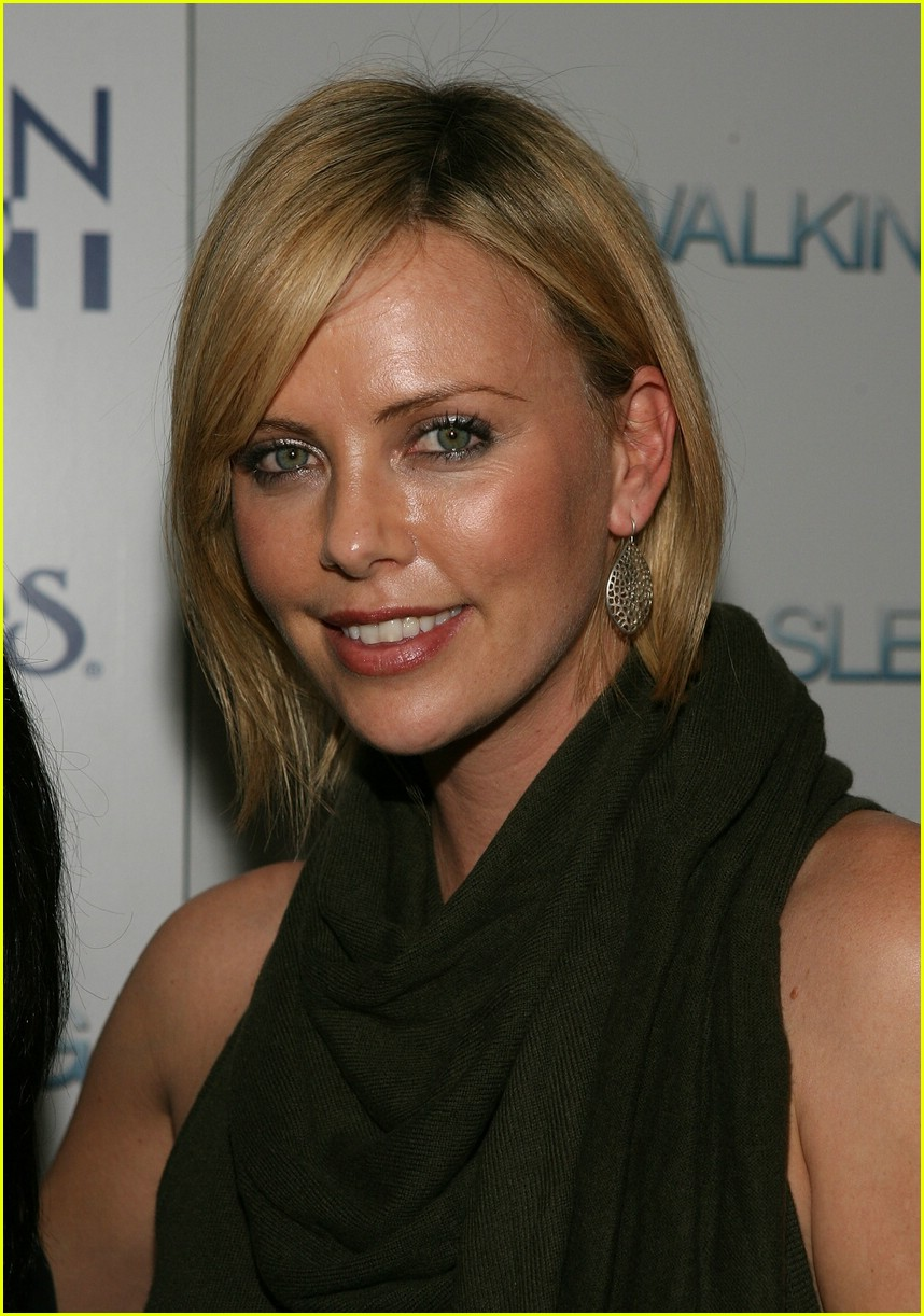 charlize theron sleepwalking 11