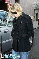 gwyneth paltrow leaving hospital