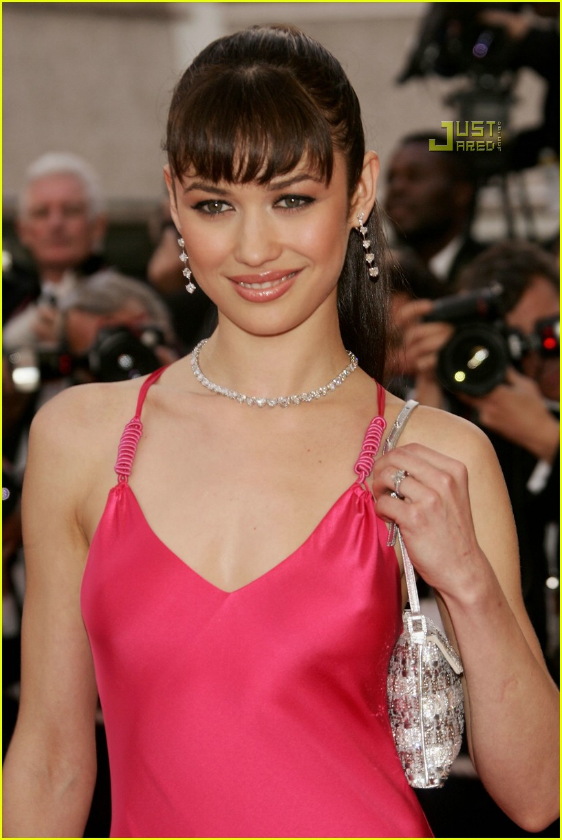 olga kurylenko bond girl 18