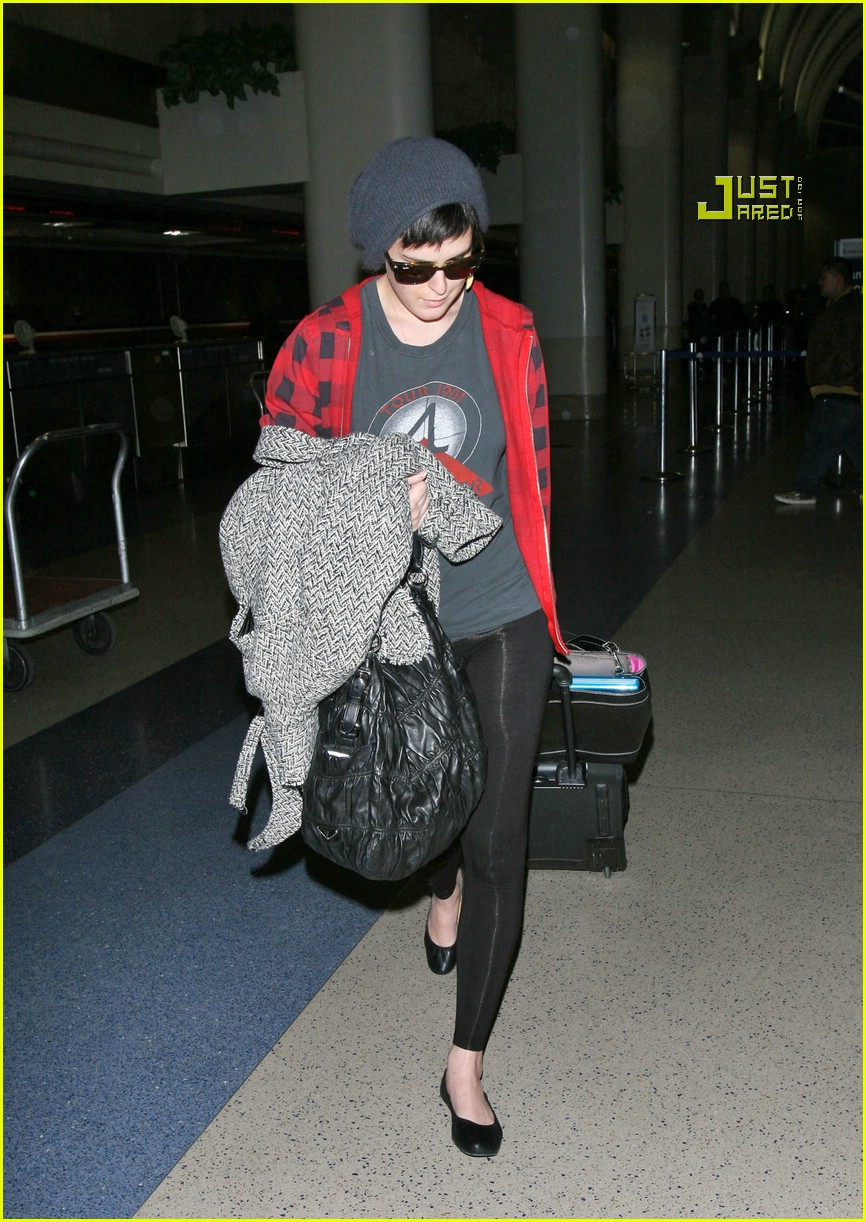 rumer willis airport 10